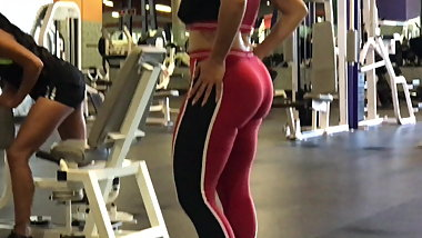 Mixed girl with big ass in spandex at the gym