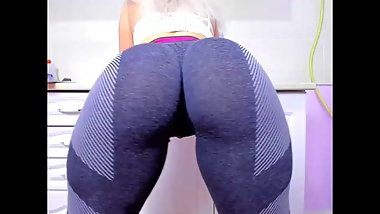 Big ass Tykita in leggins
