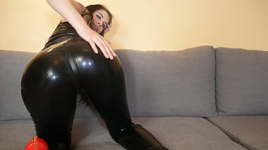 Your Higheels Latex Girl