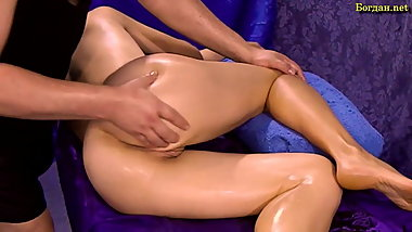 Blonde gets sensual full body massage with orgasm