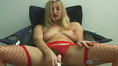 Hairy Lorina in red fishnets