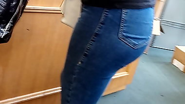 Candid tight booty jeans Part 2