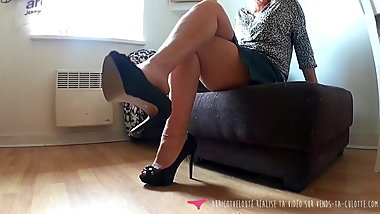 Foot Fetish - French MILF High Heels on Vends-ta-culotte