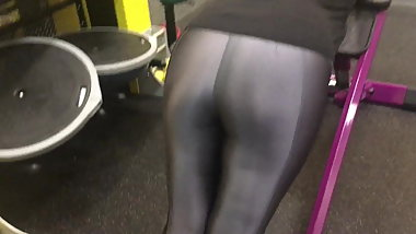 Spandex Angel - Spandex at the gym no panties