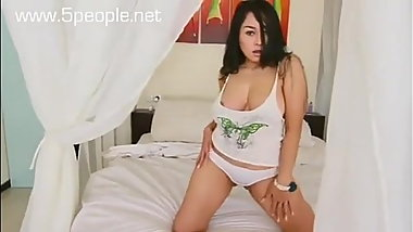 Popular Big Boobs Model Naked And Touched Her Big Boobs