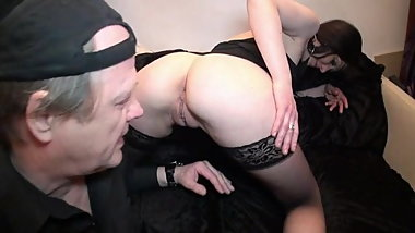 French MILF pussy and ass licked as deserved